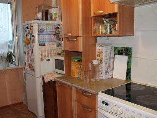 Продажа квартир: 3-комнатная квартира, Тюменская область, Тюмень, Волгоградская ул., 67, фото 1