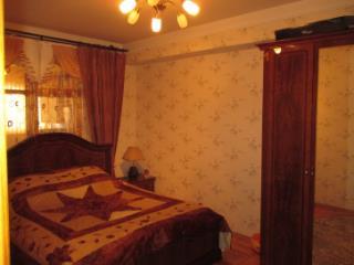 Продажа квартир: 4-комнатная квартира, Ставропольский край, Ессентуки, Вокзальная ул., 33, фото 1