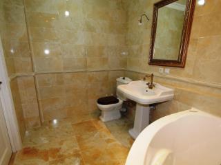Продажа квартир: 2-комнатная квартира, Краснодар, Кожевенная ул., 28, фото 1