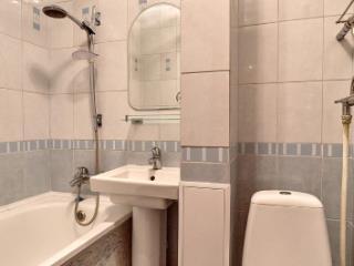 Продажа квартир: 2-комнатная квартира, Краснодар, ул. Автолюбителей, 66, фото 1