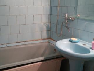 Продажа квартир: 2-комнатная квартира, Тула, п. Южный, Клубная ул., 1, фото 1