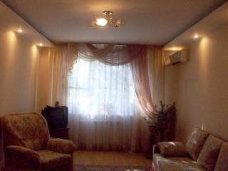 Аренда квартир: 2-комнатная квартира, Волгоград, ул. Кирова (Кировский р-н), 92, фото 1