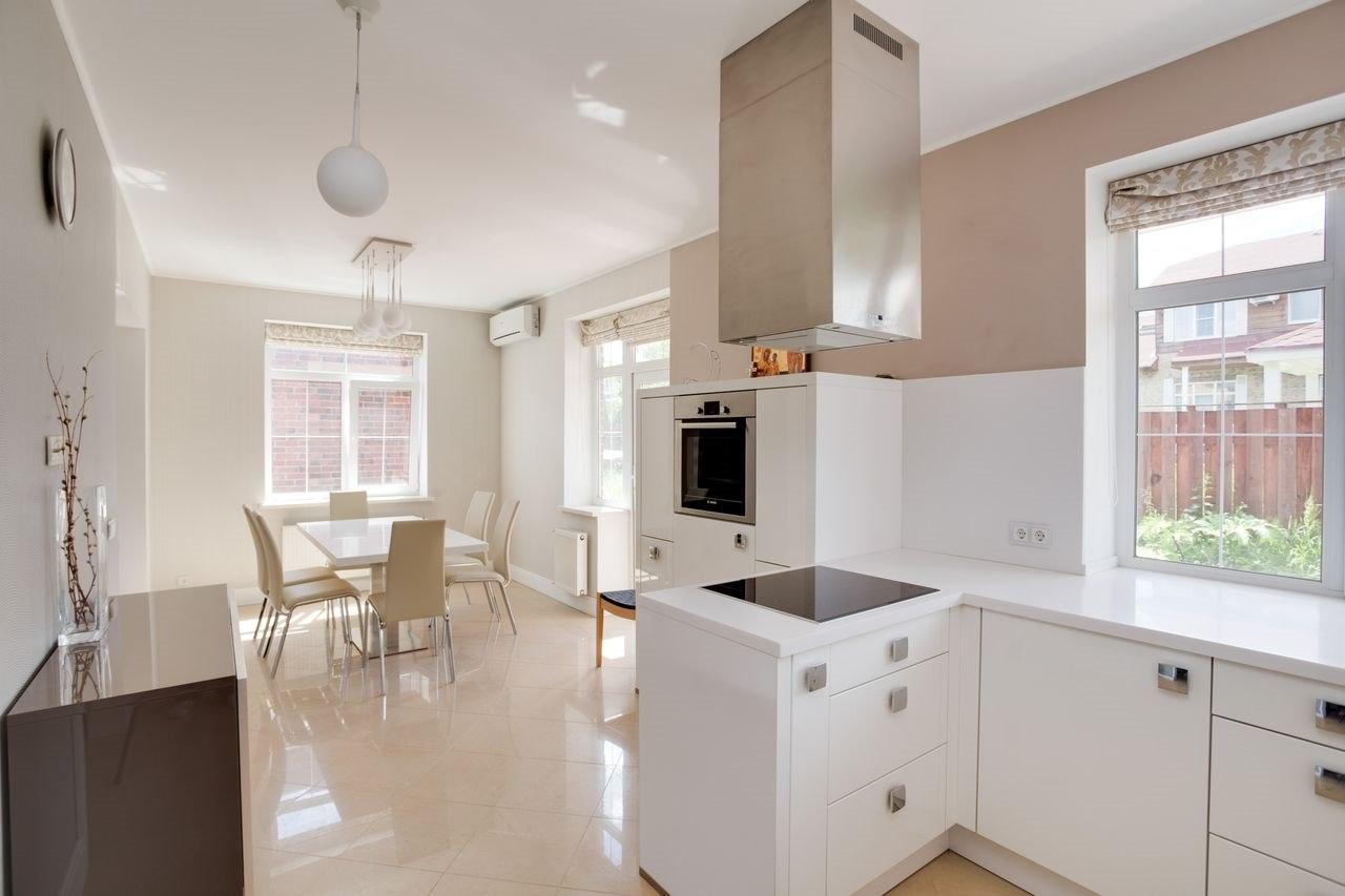Продажа квартир: 2-комнатная квартира, Краснодарский край, Сочи, ул. Воровского, 41, фото 1