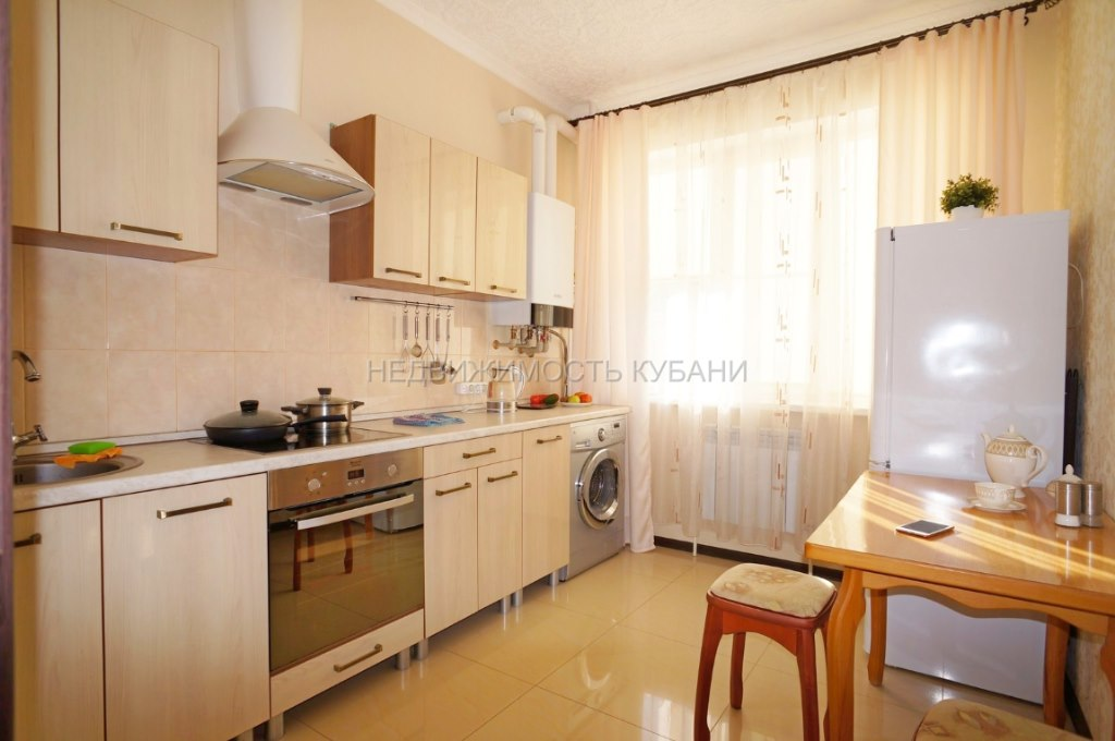Продажа квартир: 2-комнатная квартира, Краснодарский край, Горячий Ключ, Школьная ул., фото 1